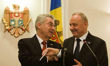 Präsident Heinz Fischer besuchte seinen moldauischen Amtskollegen Nicolae Timofti Mitte November. / Bild: (c) APA/EPA/DUMITRU DORU
