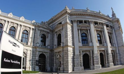 A general view of Austria´s historic Burgtheater theatre in Vienna / Bild: (c) REUTERS (HEINZ-PETER BADER)