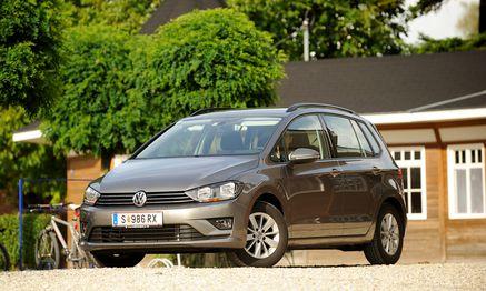 Den Hut kann man aufbehalten: Hochdach-Golf Sportsvan. / Bild: (c) Die Presse (Clemens Fabry)