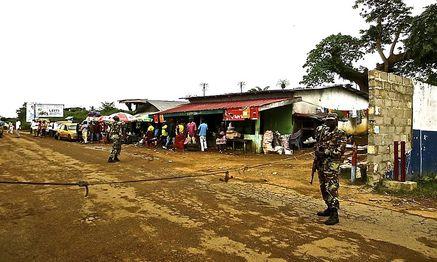 Auch in Liberia werden die Grenzen kontrolliert, um die Weiterverbreitung der Krankheit zu verhindern. / Bild: (c) REUTERS (STRINGER)