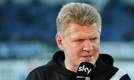 paderborn coach effenberg steht ohne trainerlizenz da. Black Bedroom Furniture Sets. Home Design Ideas