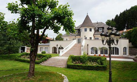 Prominente Villa in Salzburg mit Weitblick und Riesengrund. / Bild: Marlies Muhr Real Estate