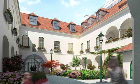 Wohnen in historischem Ambiente: Der Benediktinerhof in Gumpoldskirchen. / Bild: (c) Cuubuus real