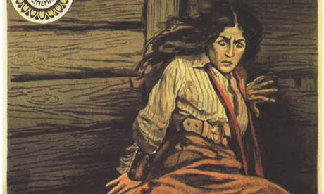 Echte Schlangen würgten die Darstellerin der Héléna in diesem Film: Kafka war beeindruckt.  / Bild: (c) Galiani