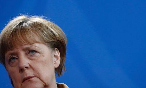 Merkel stärkt Fillon Rücken gegen Le Pen