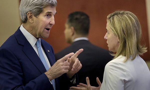 US-Außenminister John Kerry (li.) und EU-Außenbeauftragte Frederica Mogherini beraten in Wien über den Nahost-Konflikt. / Bild: (c) REUTERS