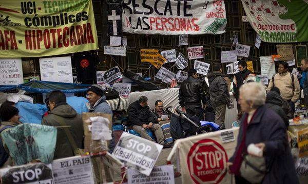 Spanier sind auf Jobsuche / Bild: AP