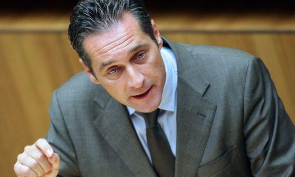 EU-Rettungsschirm: FPÖ fordert Volksabstimmung / Bild: FP-Chef Heinz-Christian Strache (c) APA (Georg Hochmuth)