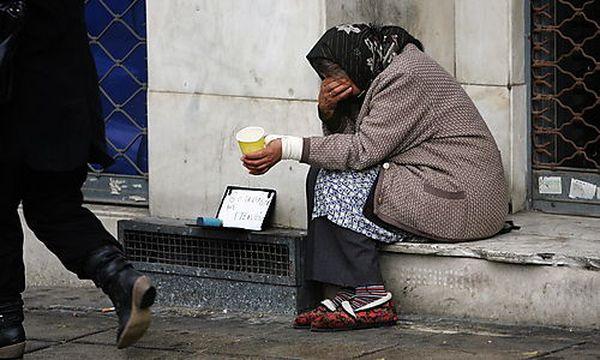 Die Zahl der Obdachlosen in Athen nimmt zu. / Bild: (c) EPA (Simela Pantzartzi)