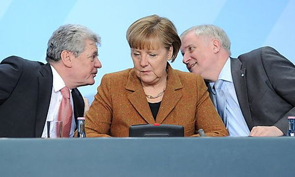 Gauck, Merkel, Seehofer / Bild: (c) EPA (Britta Pedersen)
