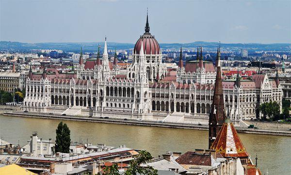 Das Parlament in Budapest.  / Bild: (c) bilderbox.com