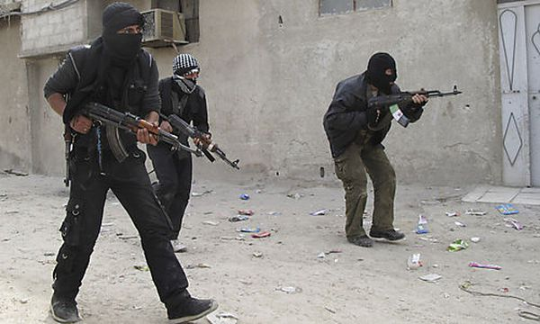 Kämpfer der Freien Syrischen Armee bei einer Übung in Damaskus / Bild: (c) AP (Anonymous)