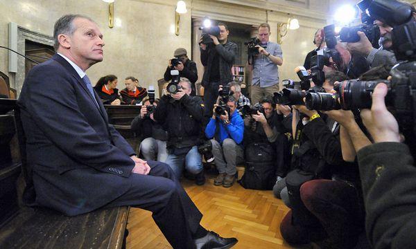 Ex-Innenminister Ernst Strasser vor Gericht / Bild: (c) EPA HELMUT FOHRINGER