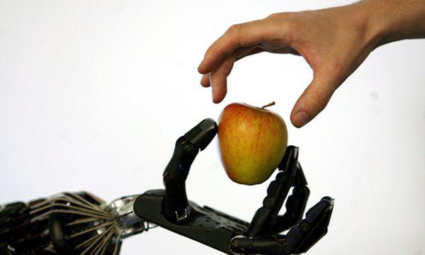 Roboter / Bild: (c) EPA (Andy Rain)