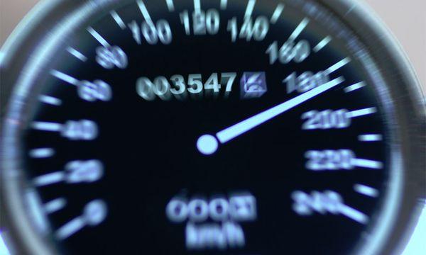 Hauptursache bei tödlichen Verkehrsunfällen: Nicht angepasste Geschwindigkeit / Bild: (c) Bilderbox