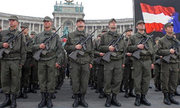 Bundesheer verfügt über 16.000 Berufssoldaten / Bild: Grundwehrdiener bei ihrer Angelobung (c) APA (Georg Hochmuth)