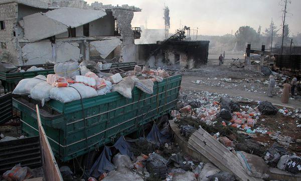 Am Tag nach dem Angriff. Überreste des attackierten UN-Hilfskonvois in der syrischen Provinz Aleppo.  / Bild: (c) APA/AFP/OMAR HAJ KADOUR