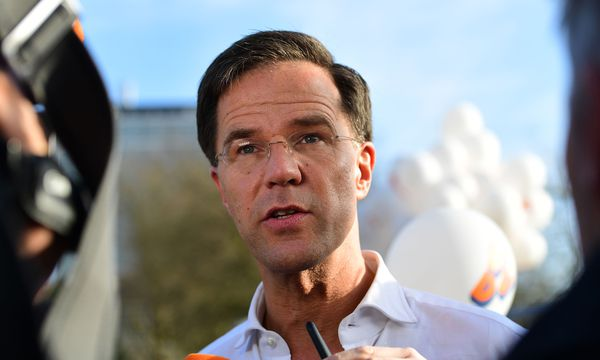 Mark Rutte sammelte schon vorm TV-Duell mit Wilders Punkte. / Bild: (c) APA/AFP/EMMANUEL DUNAND