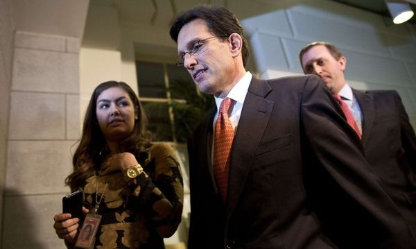 House Majority Leader Cantor is pictured after a meeting with House Republicans about a 'fiscal cliff' deal on Capitol Hill in Washington / Bild: REUTERS