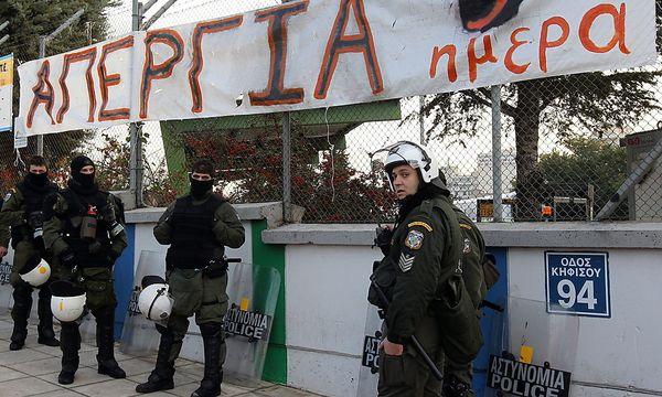 Athener U-Bahn-Mitarbeiter am achten Streiktag. / Bild: EPA