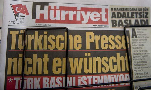 Auf ihrem Titelblatt nahm sich die türkische Zeitung Hürriyet dem NSU-Prozess an. / Bild: EPA