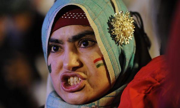 Unterstützer von Tahir ul-Qadri wollen die Regierung in Pakistan stürzen. / Bild: (c) EPA (T MUGHAL)