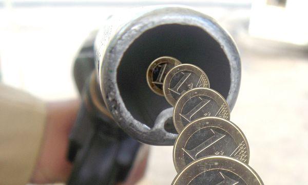 Sprit deutlich teurer / Bild: www.BilderBox.com