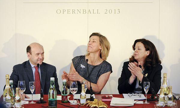 Staatsoperndirektor Dominique Meyer, Opernball-Organisatorin Desiree Treichl-Stürgkh, Opernball-Generalsekretärin Eva Dintsis. / Bild: (c) APA HERBERT NEUBAUER (HERBERT NEUBAUER)