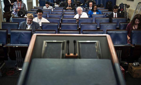 Briefing im Weißen Haus / Bild: APA/AFP/BRENDAN SMIALOWSKI