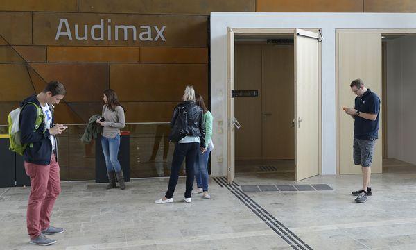 Studenten an der Wirtschaftsuni in Wien: Wirtschaft und Wirtschaftsrecht gehören zu den beliebtesten Studien.  / Bild: (c) APA/HELMUT FOHRINGER
