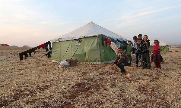Ein Zeltlager in ländlichen Gebieten südlich von Aleppo. / Bild: REUTERS