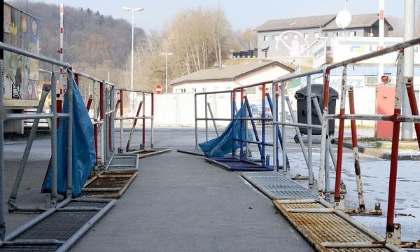 Grenze Spielfeld / Bild: Die Presse (Fabry)