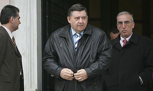 George Karatzaferi (Mitte) nach den Verhandlungen über das Sparpaket / Bild: (c) EPA (Maria Marogianni)