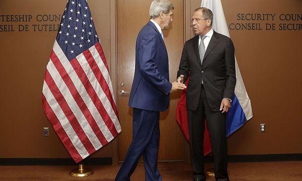 US-Außenminister John Kerry (li.) und sein russischer Amtskollege Sergej Lawrow planen eine Syrienkonferenz in Wien. / Bild: AFP