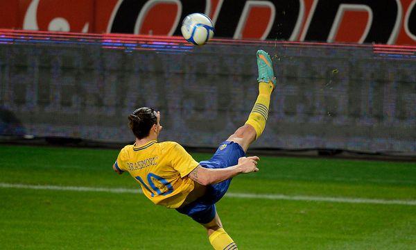 Ibrahimovic zeigt seine Kunst / Bild: GEPA pictures