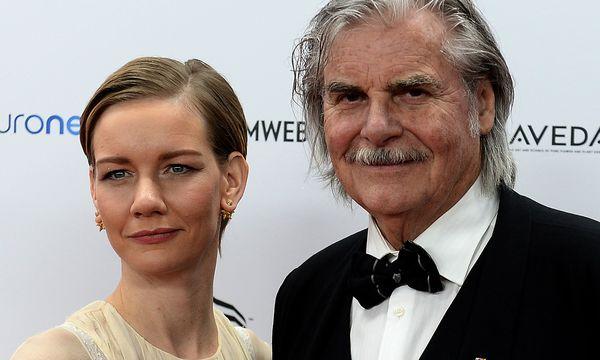 """Sandra Hüller und Peter Simonischek, die in """"Toni Erdmann"""" die Hauptrollen spielen. / Bild: (c) APA/AFP (JANEK SKARZYNSKI)"""