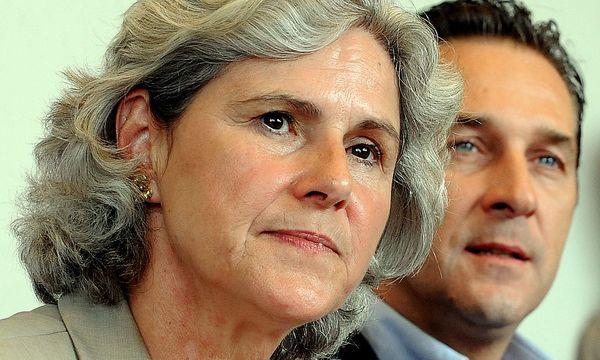 FPÖ Niederösterreich: Rosenkranz tritt zurück / Bild: APA/HERBERT PFARRHOFER