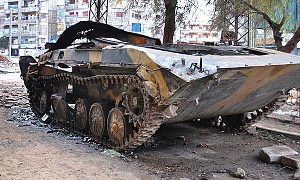 Ein zerstörter Panzer der syrischen Armee / Bild: (c) AP (STR)