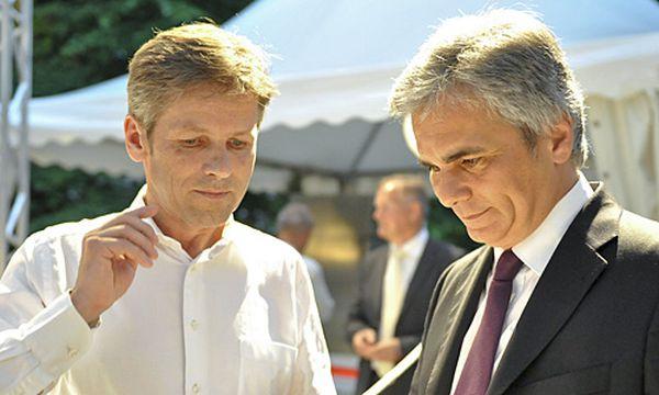 Archivbild - Bundeskanzler Werner Faymann mit Staatsekretär Josef Ostermayer / Bild: (c) APA/HERBERT NEUBAUER (HERBERT NEUBAUER)