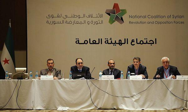Vertreter der Nationalen Syrischen Koalition bei ihremm Treffen in Istanbul / Bild: imago stock&people