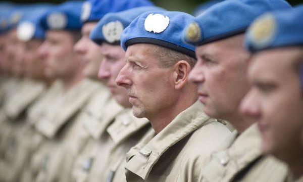 Soldatenabschied  / Bild: (c) APA/HARALD MINICH/HBF (HARALD MINICH/HBF)