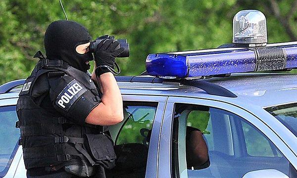 Archivbild: Ein Cobra-Beamter im Einsatz / Bild: APA/PAUL PLUTSCH