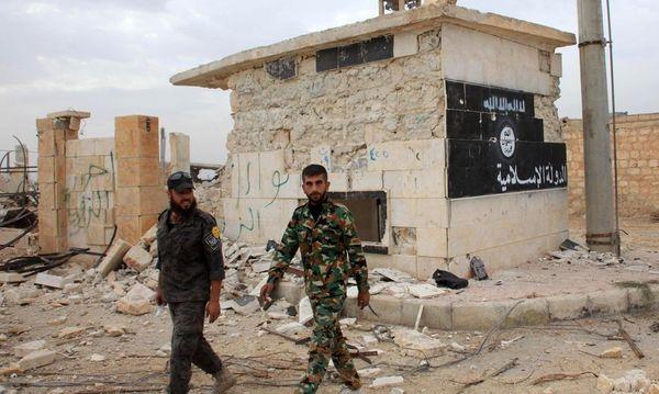 Kämpfe zwischen Milizen des Islamischen Staats (IS) und Rebellen / Bild: AFP