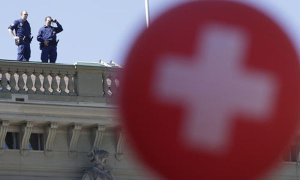 Bild: (c) REUTERS (DENIS BALIBOUSE)