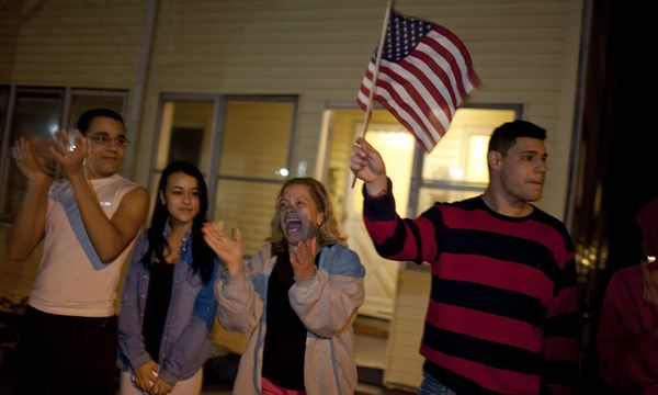 Jubelfeiern beim Osama Ladens / Bild: (c) EPA (DOMINIC CHAVEZ)