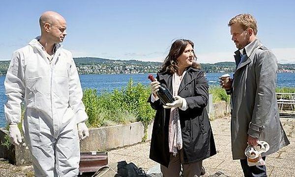 Klara Blum (Eva Mattes) und Kai Perlmann (Sebastian Bezzel) ermitteln im Milieu der Weinconnaisseure. / Bild: SWR