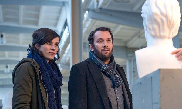 """Nora Tschirner (Kira Dorn) und Christian Ulmen (Lessing) sind die Comedy-Kommissare der """"Tatort""""-Reihe.  / Bild: MDR/Anke Neugebauer"""