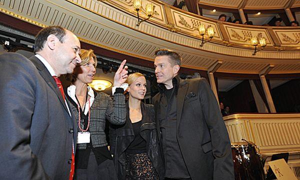 Letzte Vorbereitungen für den Wiener Opernball / Bild: (c) APA/HERBERT NEUBAUER (HERBERT NEUBAUER)