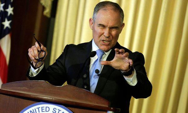Scott Pruitt ist eine Vertrauter der Kohle- und Ölindustrie. / Bild: REUTERS/Joshua Roberts