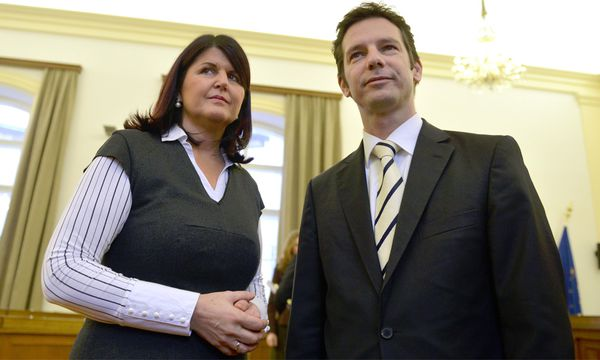 Im Bild Landeshauptmann-Stv. und Finanzlandesrat David Brenner (r.) und LH Gabi Burgstaller / Bild: (c) APA (Barbara Gindl)